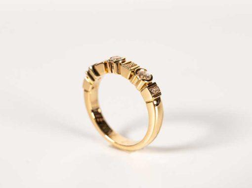 ALLIANCE «LIGNE ART DÉCO» Or jaune & Diamants