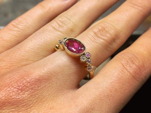 BAGUE TOURMALINE & SAPHIRS ROSES  Or & Diamants